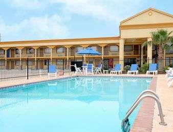 Pool - Super 8 Hotel Opelousas