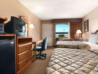 Room - Super 8 Hotel Opelousas