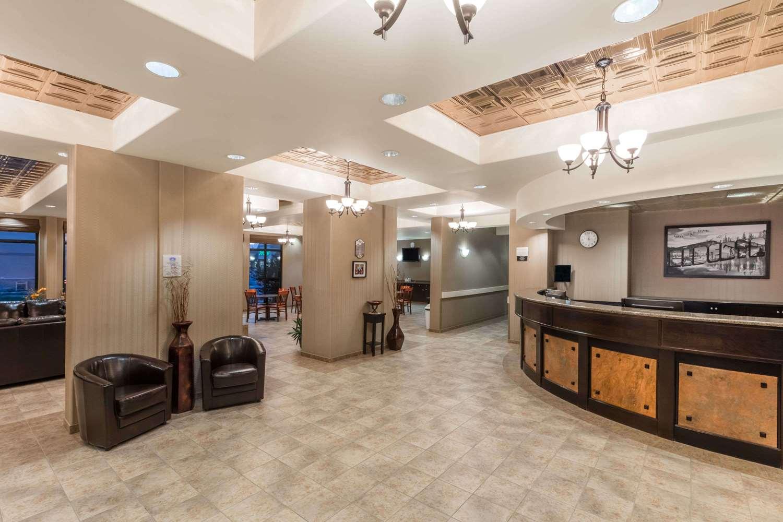 Lobby - Super 8 Hotel Edson