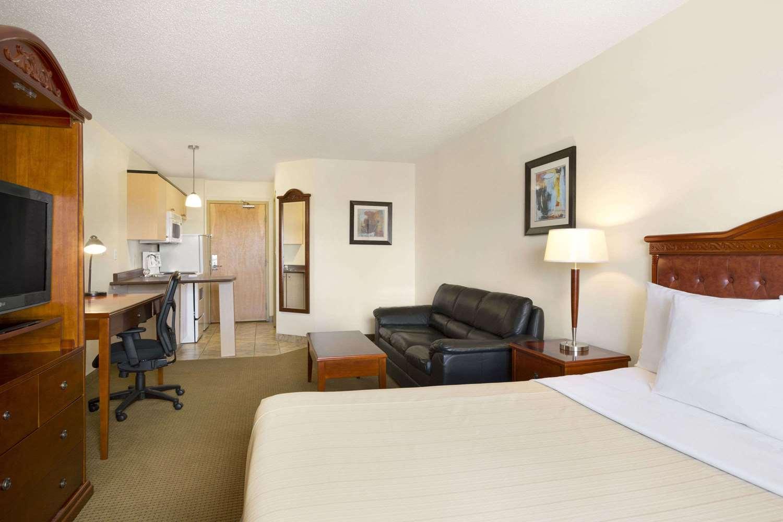 Room - Days Inn Bonnyville