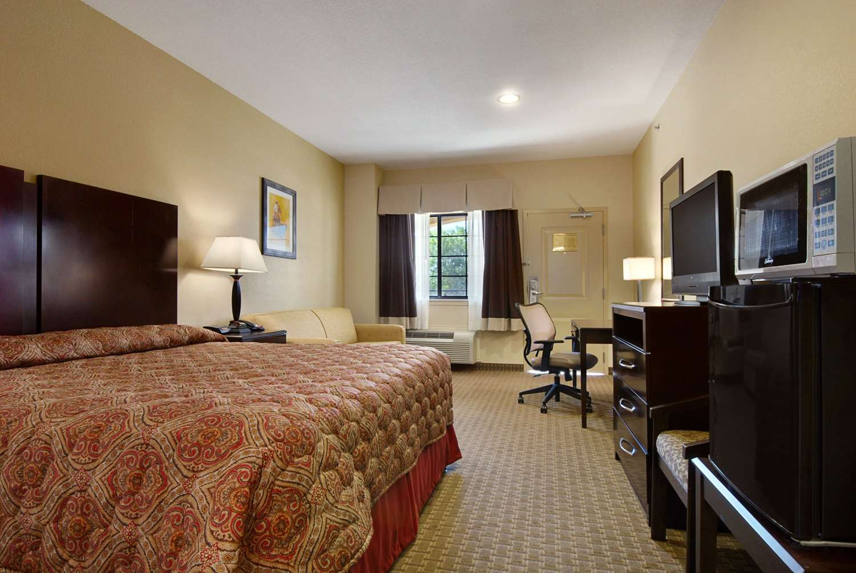 Room - Super 8 Hotel Stephenville