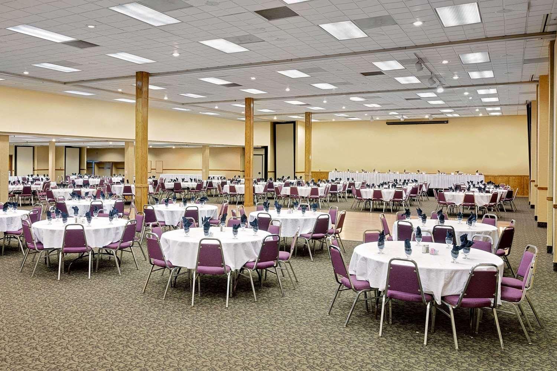 Ballroom - Ramada Hotel & Conference Center Mitchell