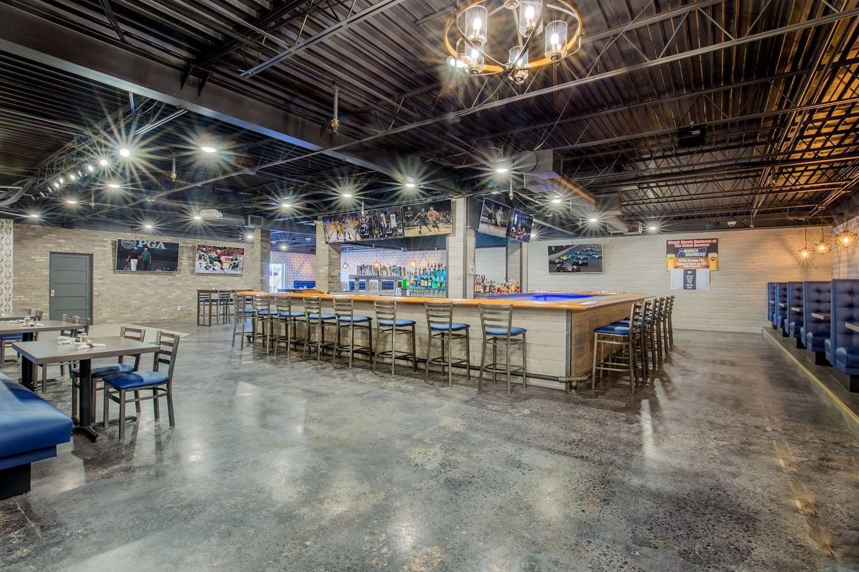 Restaurant - Ramada Hotel & Conference Center Mitchell