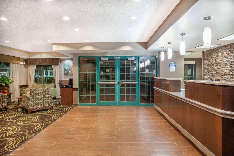 Lobby - Days Inn Express Brewerton