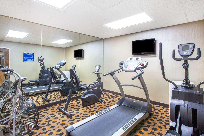 Fitness/ Exercise Room - Days Inn Express Brewerton
