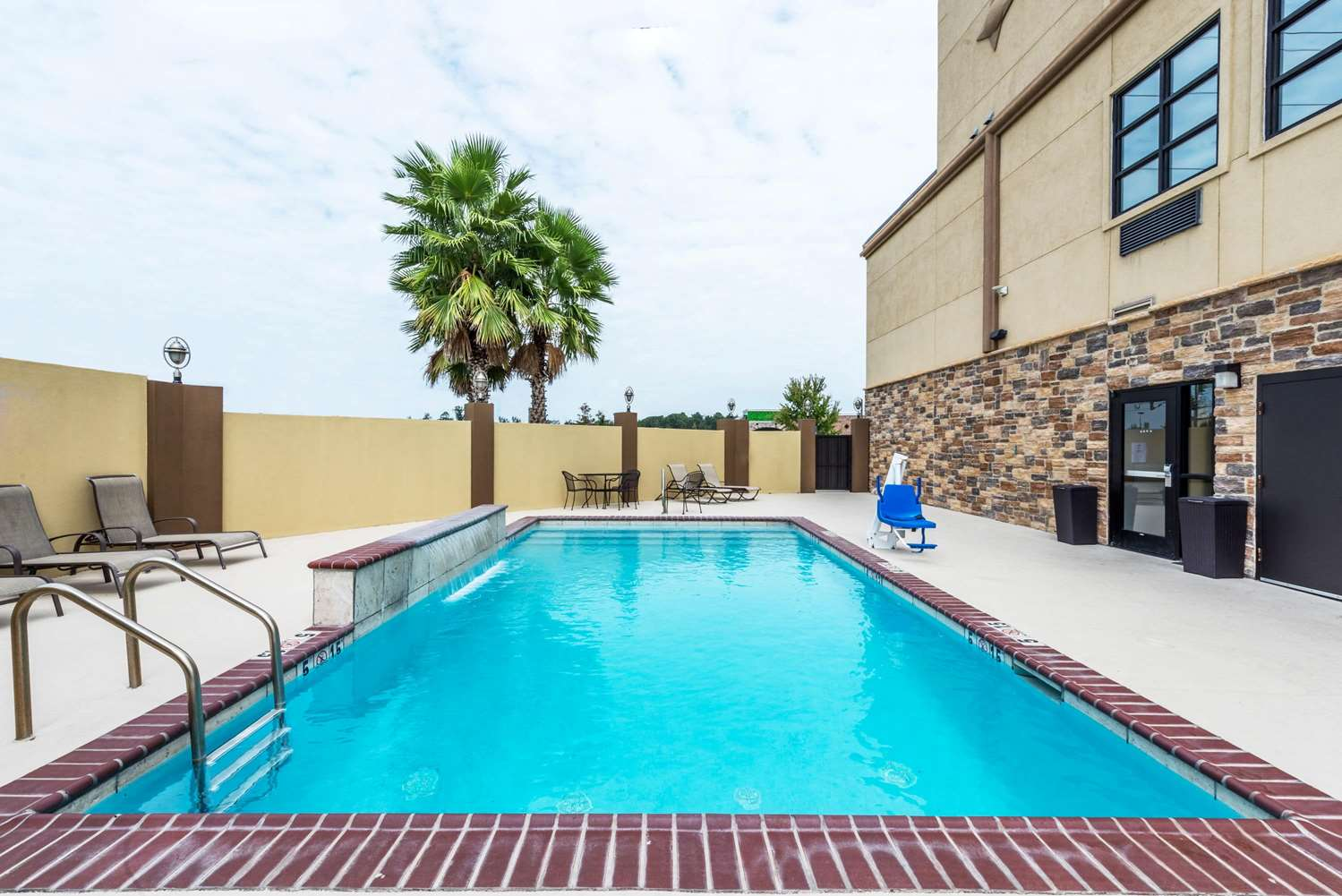 Pool - Wingate by Wyndham Hotel Lake Charles