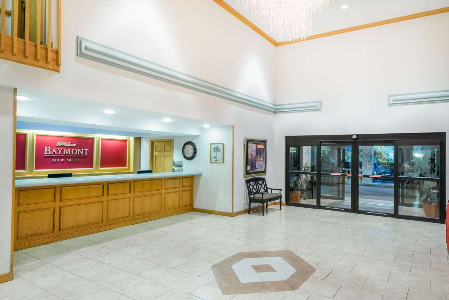 Lobby - Baymont Inn & Suites Indianapolis Airport Plainfield
