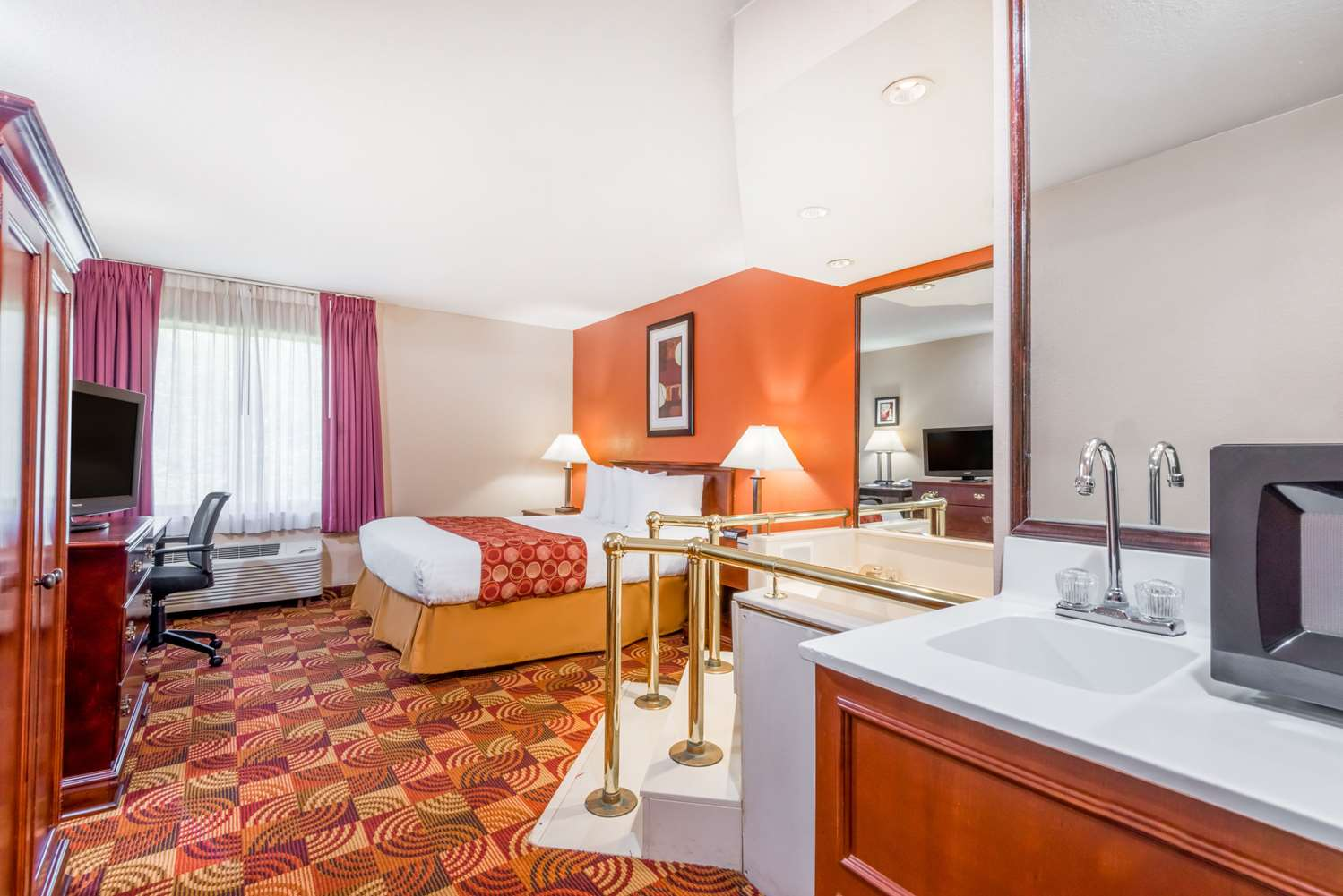Room - Baymont Inn & Suites Indianapolis Airport Plainfield