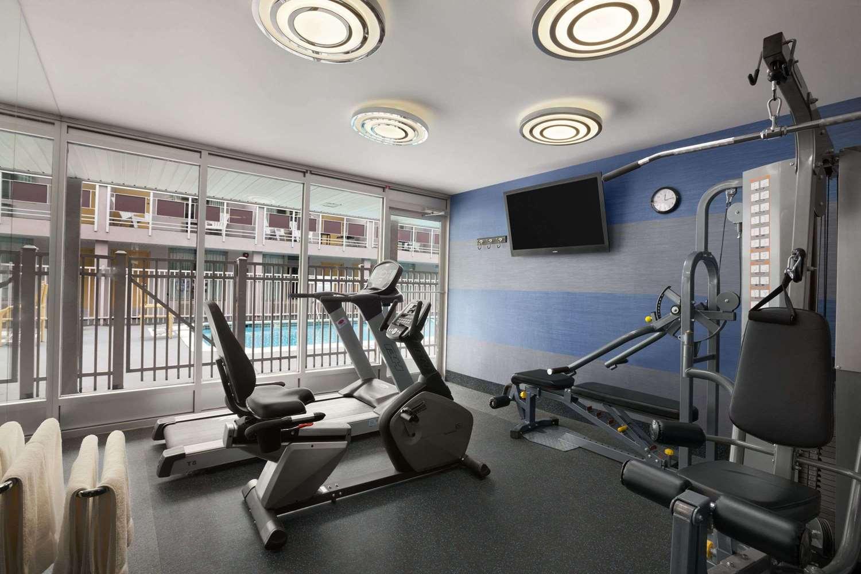Fitness/ Exercise Room - Ramada Inn & Suites Rockville Centre