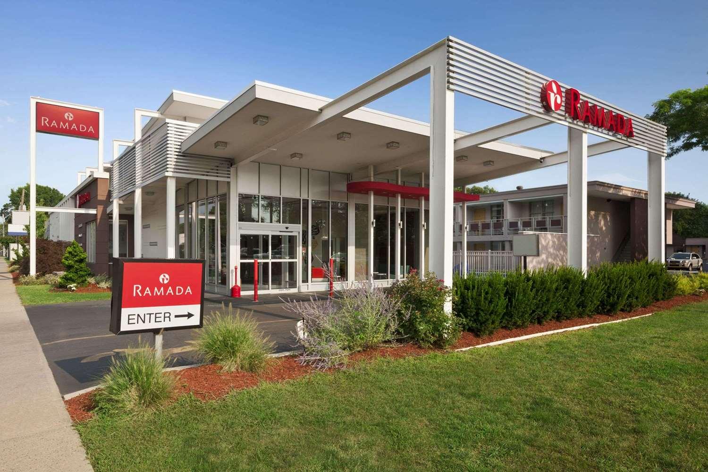 Exterior view - Ramada Inn & Suites Rockville Centre