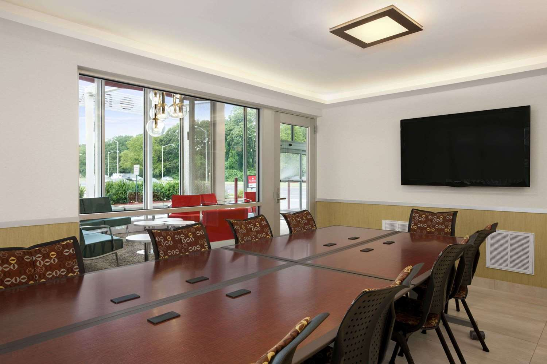 Meeting Facilities - Ramada Inn & Suites Rockville Centre