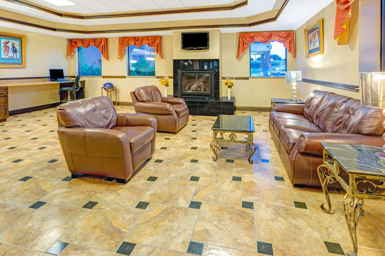 Lobby - Days Inn & Suites Jeffersonville