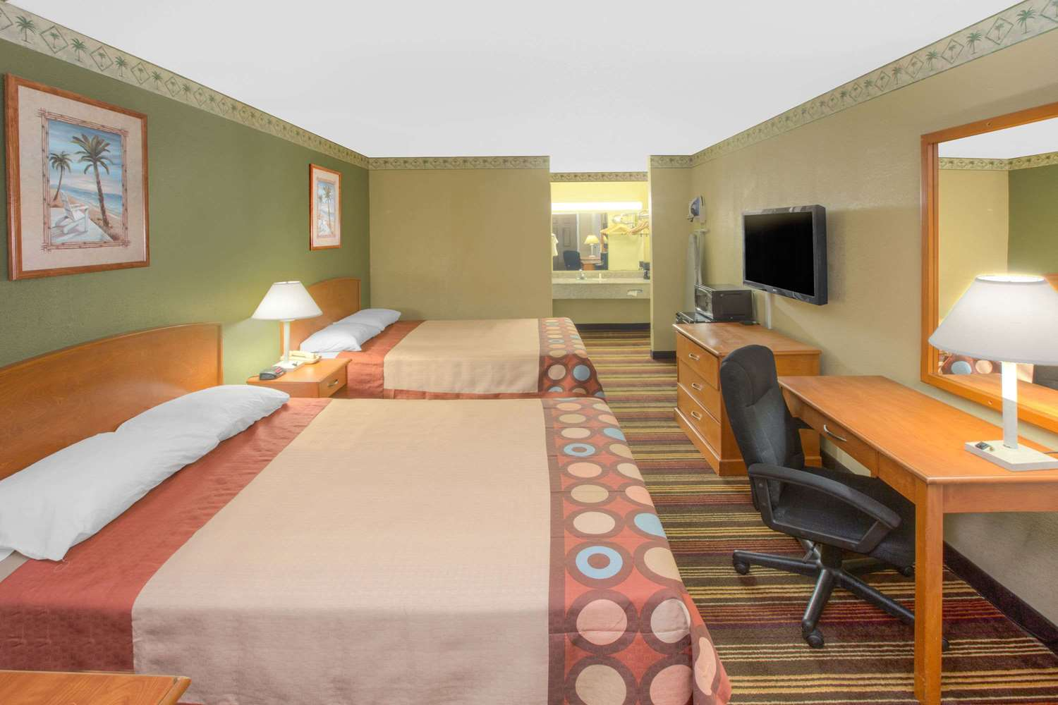 Room - Super 8 Hotel Shreveport