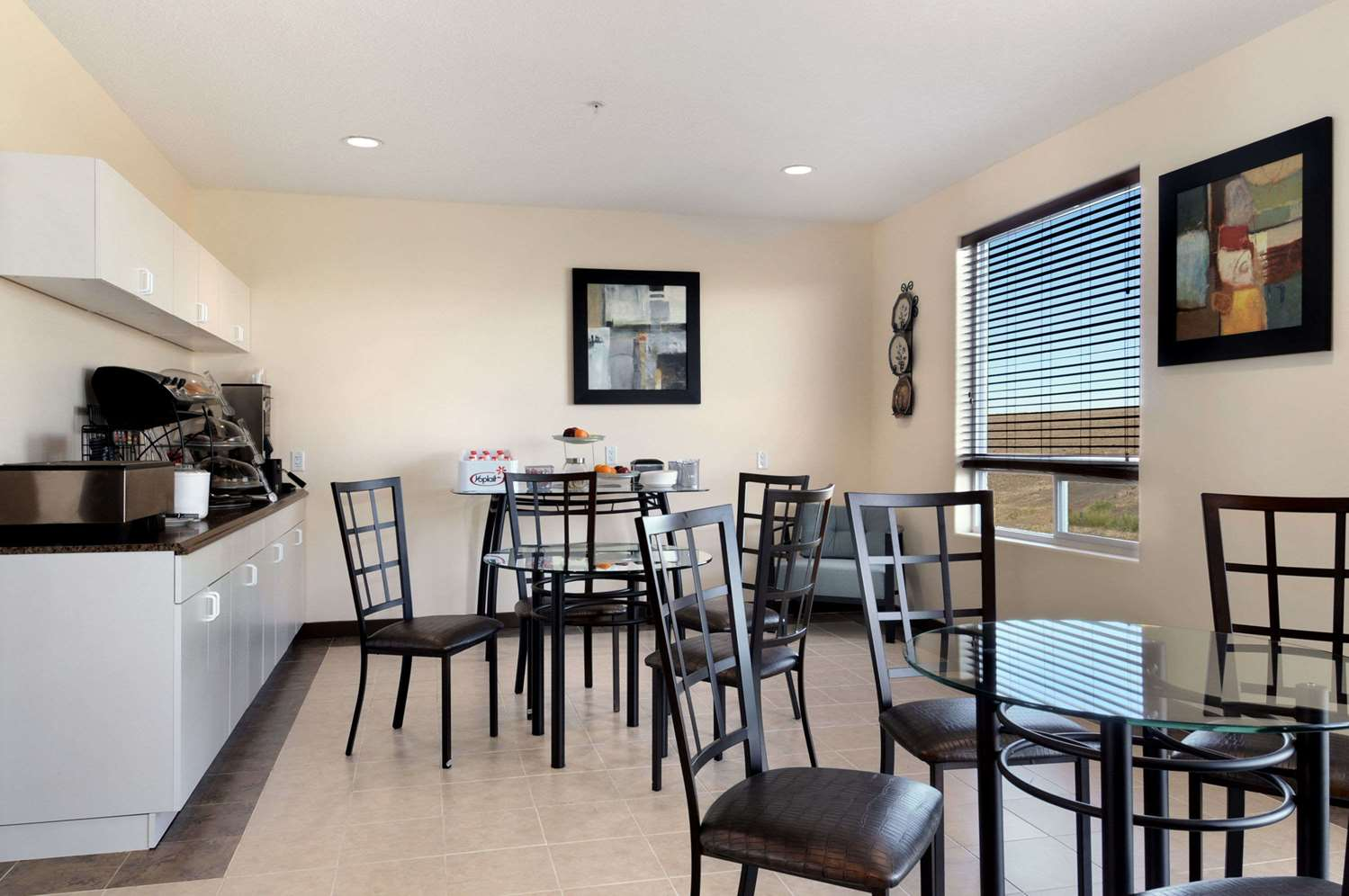 Restaurant - Days Inn Grande Prairie