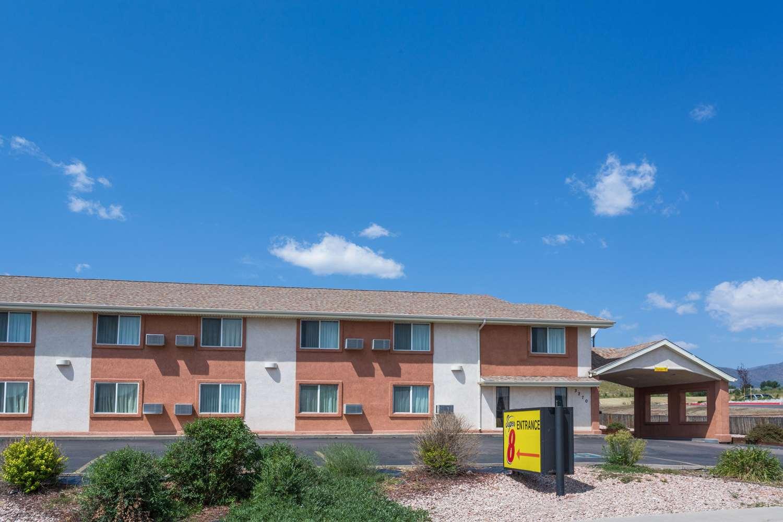 Exterior view - Super 8 Hotel Garden of Gods Colorado Springs