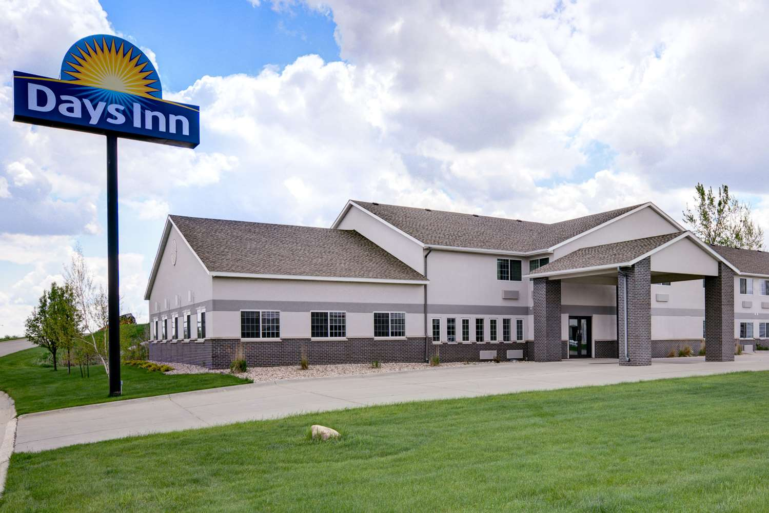 Exterior view - Days Inn Carroll
