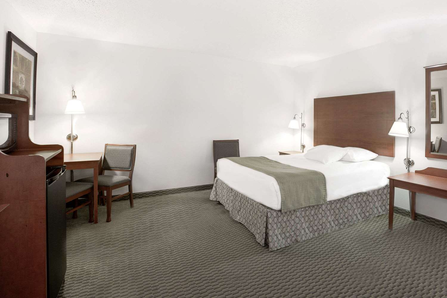 Room - Days Inn Carroll