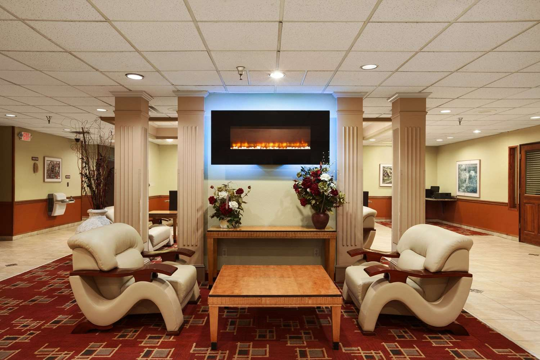 Lobby - Ramada Hotel City Centre Sioux City