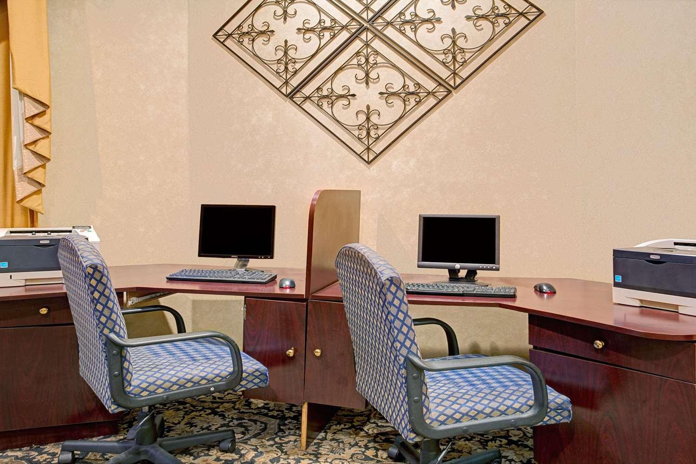 Conference Area - Baymont Inn & Suites Florida Mall Orlando