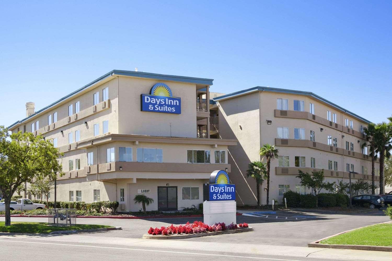 Exterior view - Days Inn & Suites Rancho Cordova