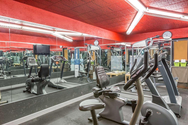 Fitness/ Exercise Room - Days Inn East Stroudsburg