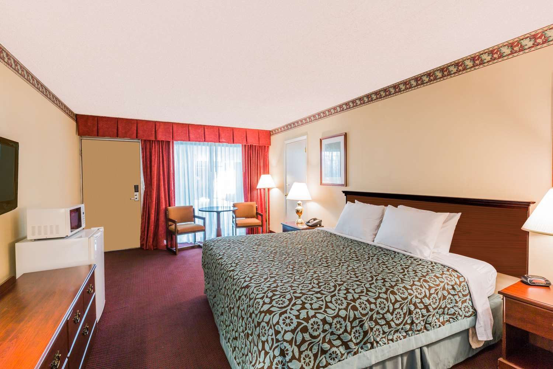 Room - Days Inn East Stroudsburg