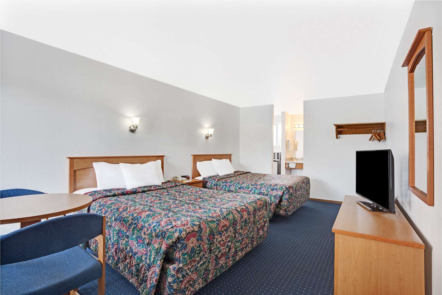 Room - Days Inn Midtown Seattle