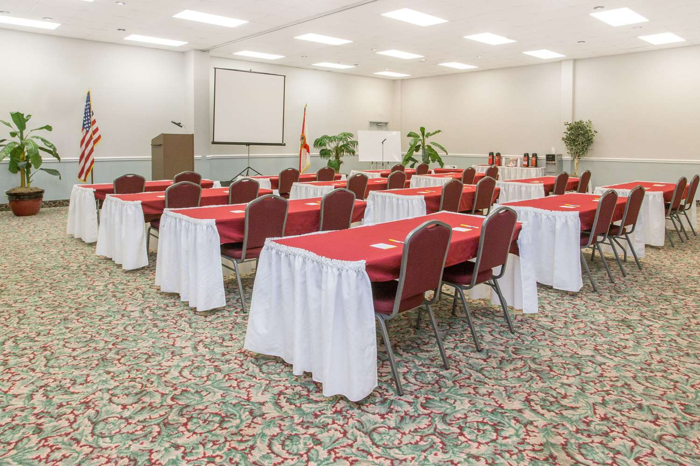 Meeting Facilities - Days Inn & Suites Navarre