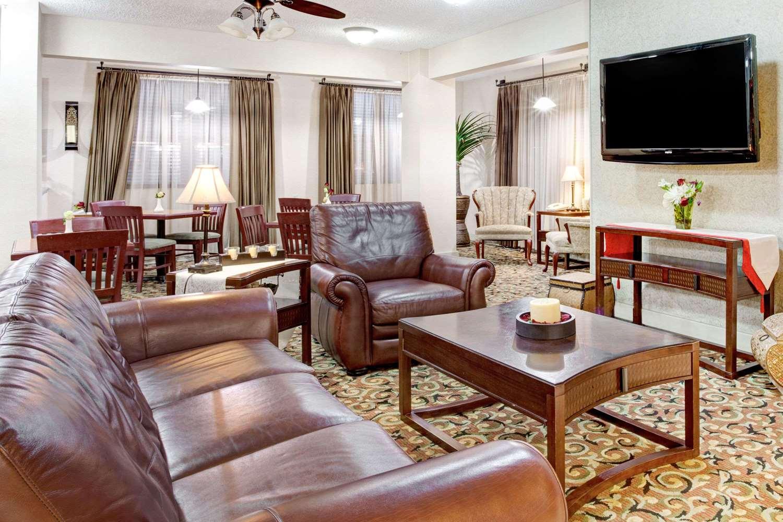 Lobby - Ramada Inn West Memphis