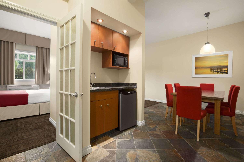 Suite - Days Inn Revelstoke
