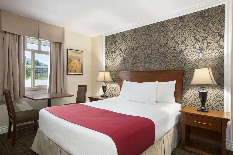 Room - Days Inn Revelstoke