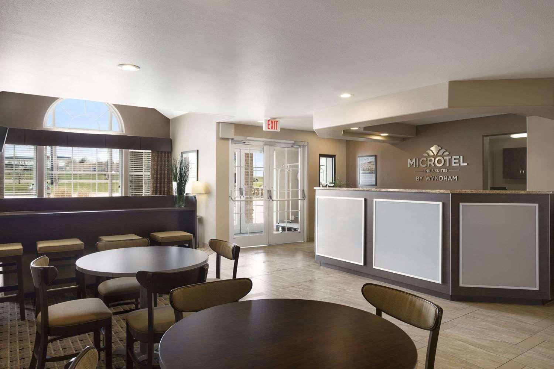 Lobby - Microtel Inn & Suites by Wyndham Marion