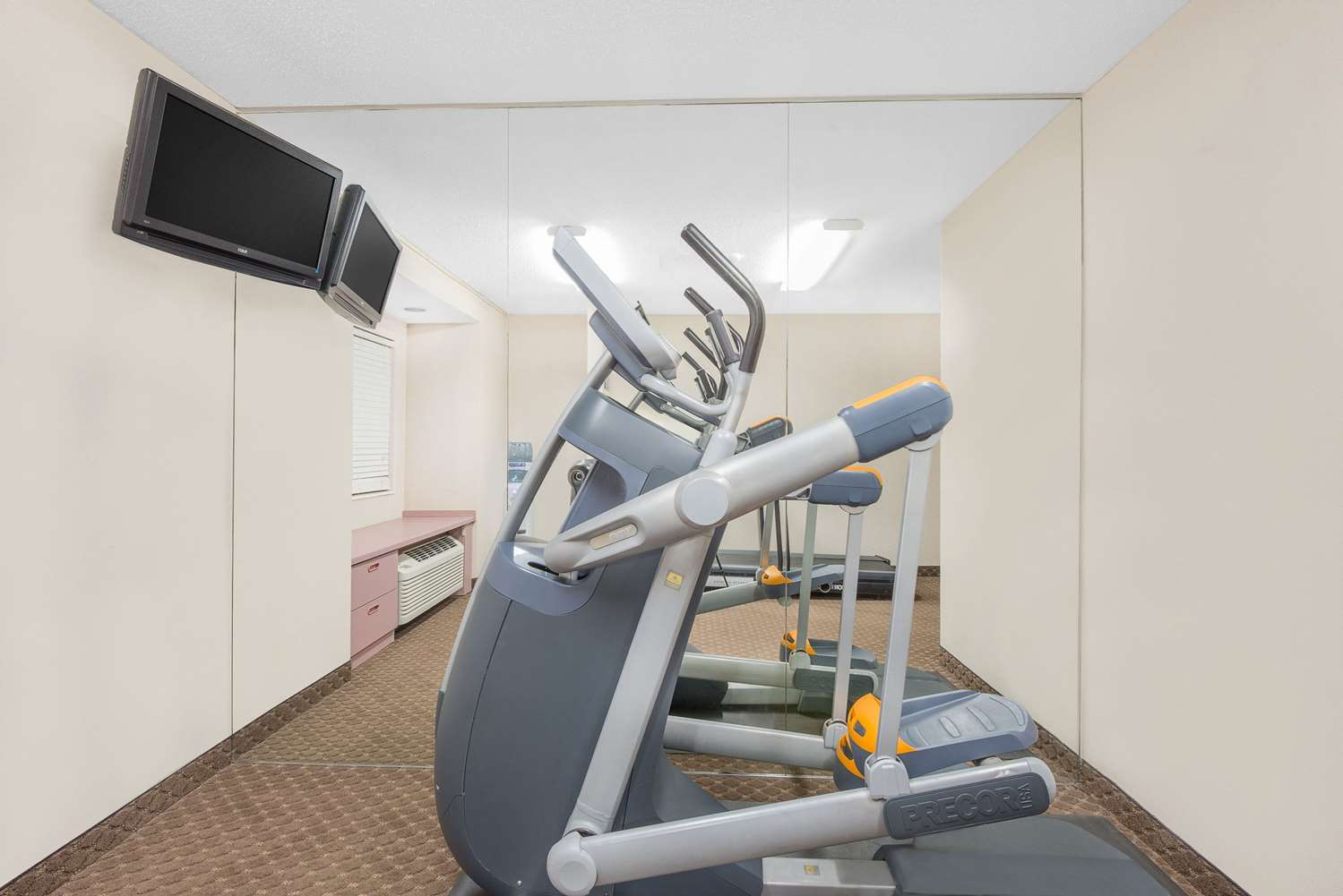 Fitness/ Exercise Room - Microtel Inn by Wyndham Erie