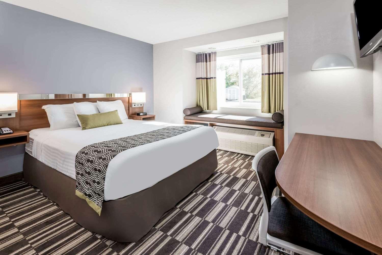 Room - Microtel Inn by Wyndham Victor