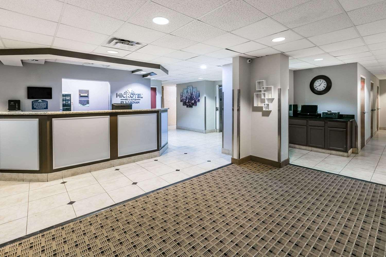 Lobby - Microtel Inn & Suites by Wyndham Lafayette