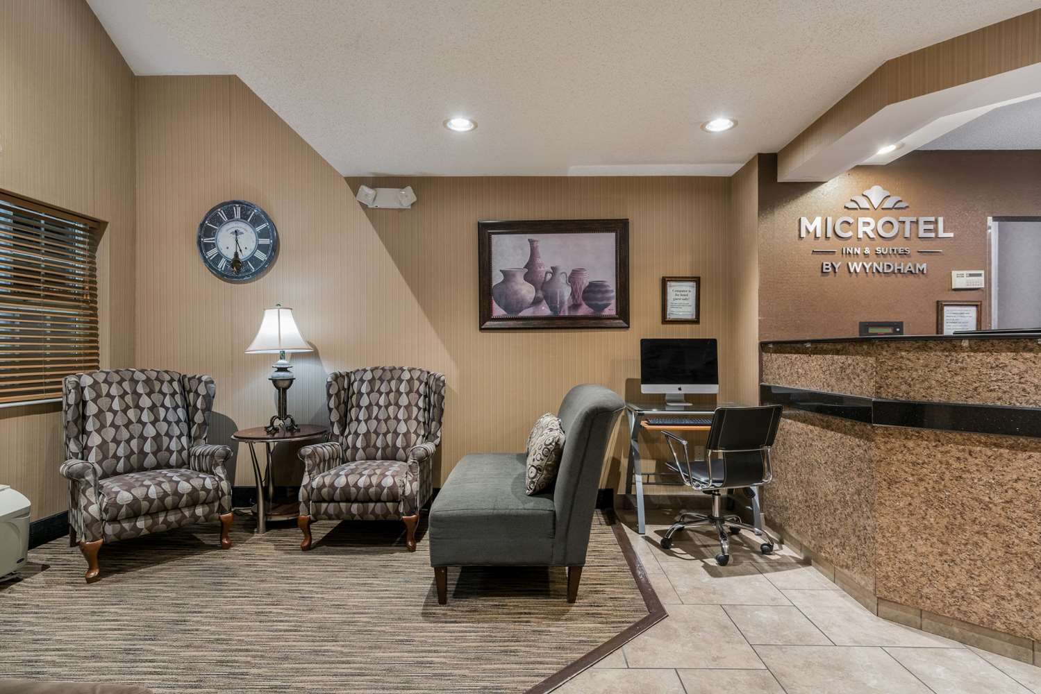 Lobby - Microtel Inn & Suites by Wyndham Rochester