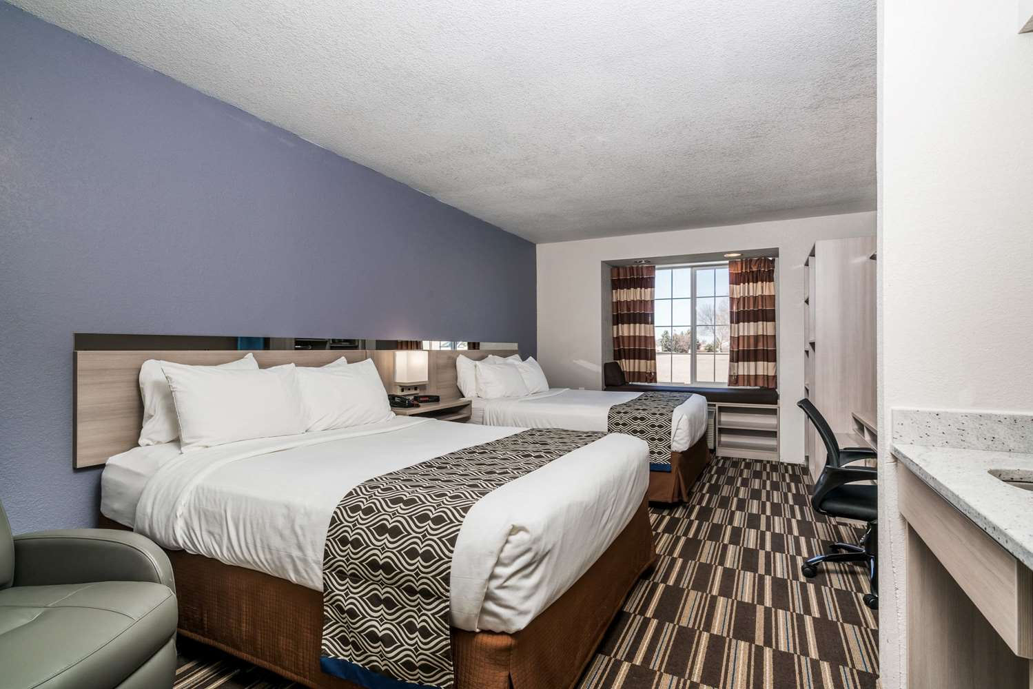 Room - Microtel Inn & Suites by Wyndham Rochester