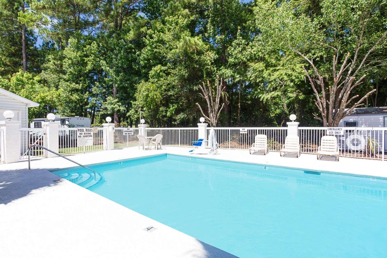 Pool - Microtel Inn & Suites by Wyndham Pooler