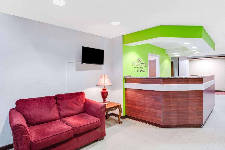 Lobby - Microtel Inn & Suites by Wyndham Pooler