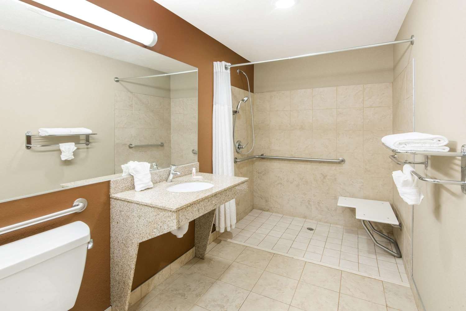 Room - Microtel Inn & Suites by Wyndham North Canton