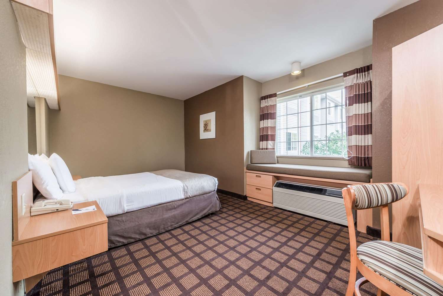 Room - Microtel Inn & Suites by Wyndham West Chester
