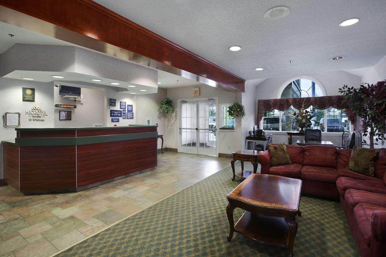 Lobby - Microtel Inn & Suites by Wyndham Baton Rouge
