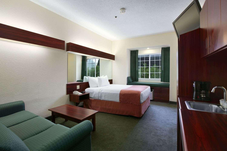 Suite - Microtel Inn & Suites by Wyndham Baton Rouge