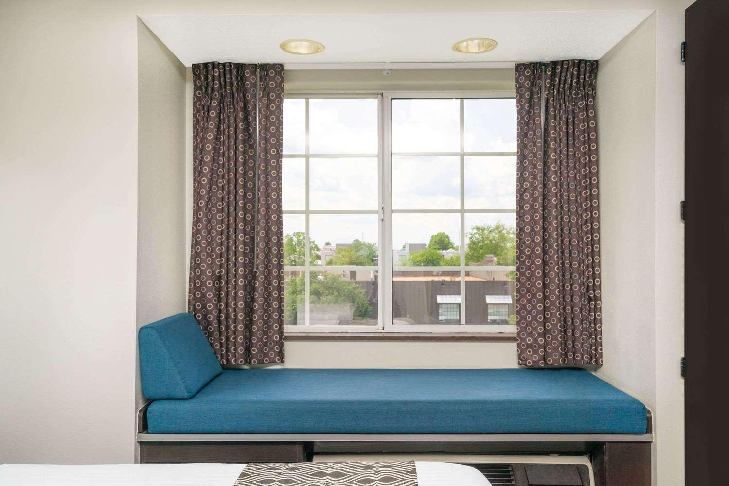 Amenities - Microtel Inn by Wyndham Bowling Green