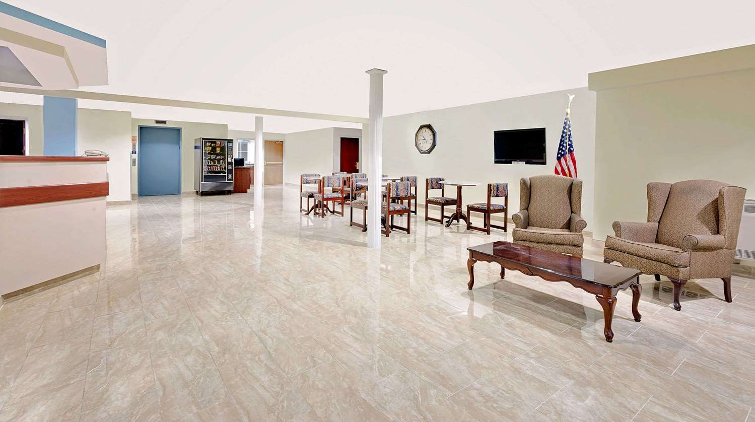 Lobby - Microtel Inn & Suites by Wyndham Hagerstown