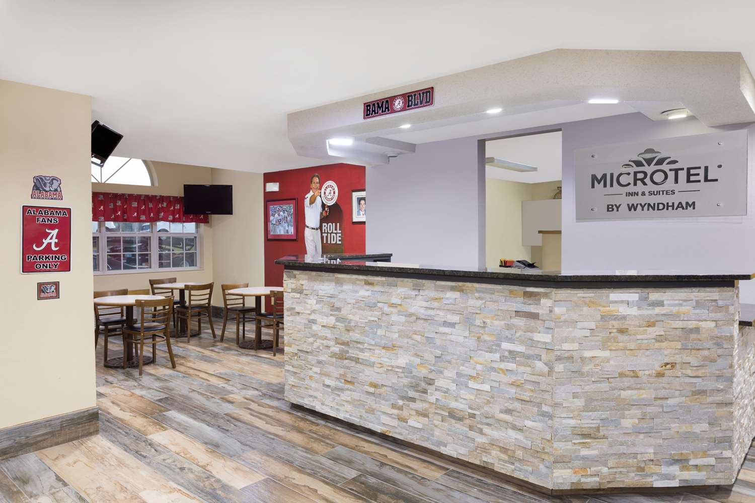 Lobby - Microtel Inn by Wyndham Cottondale