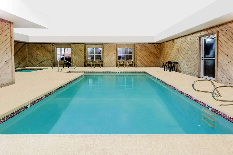 Pool - Microtel Inn & Suites by Wyndham Brush