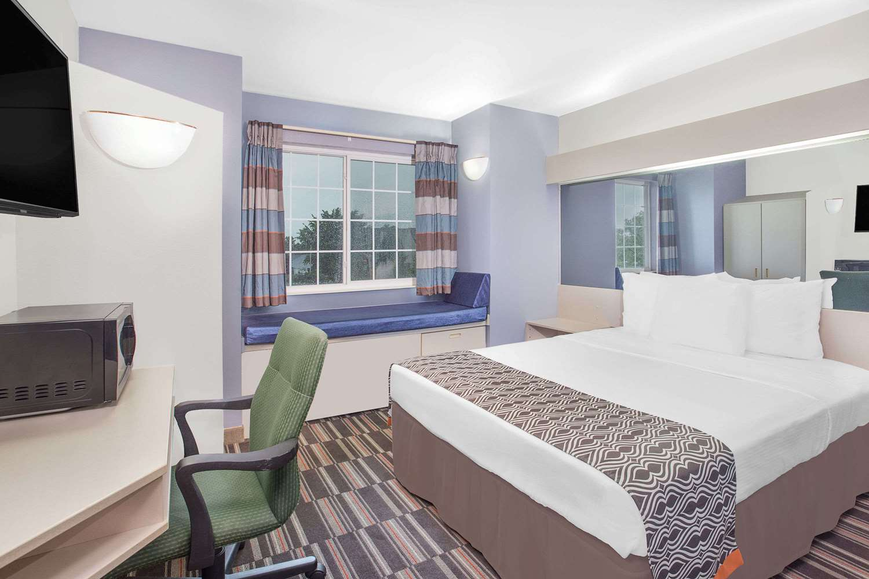 Room - Microtel Inn & Suites by Wyndham Appleton