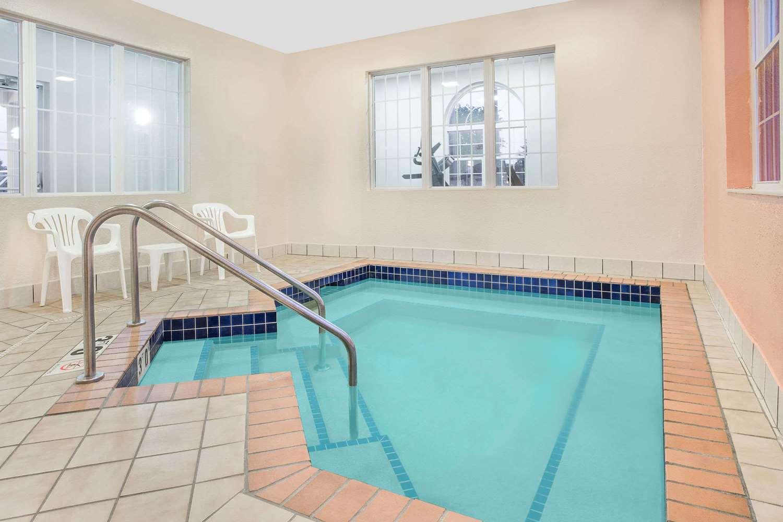 Pool - Microtel Inn & Suites by Wyndham Appleton