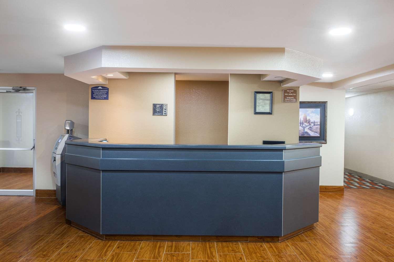 Lobby - Microtel Inn & Suites by Wyndham Appleton